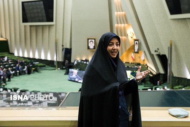 سعیدی: حذف سرویس های خدمات ارزش افروزده به اقتصاد کشور آسیب می زند