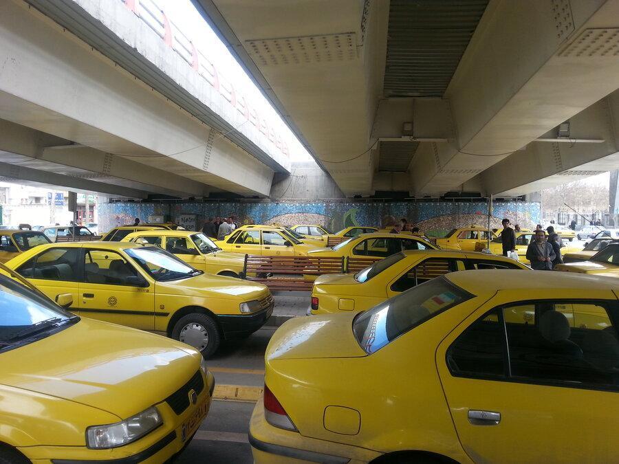 تاکسی ها تا 15 فروردین مجوز خروج از تهران ندارند ، جریمه و توقیف خودرو در انتظار رانندگان متخلف