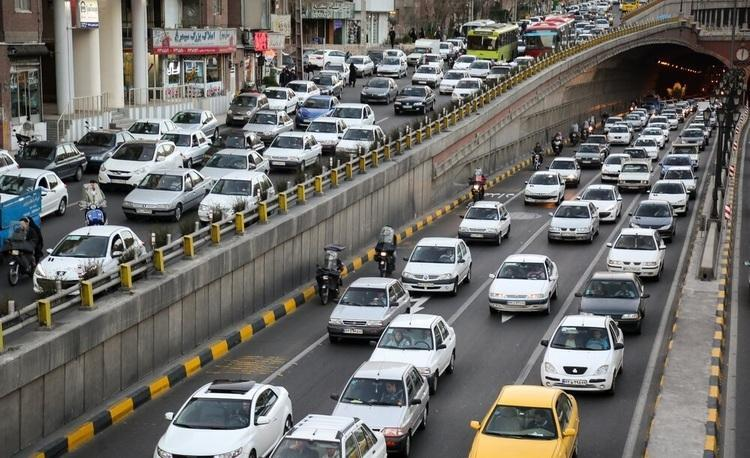 پلیس راهور تهران: افزایش 75 درصدی تعداد خودرو ها در معابر