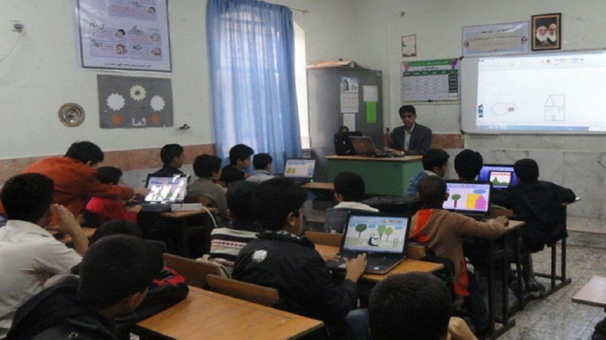 اتصال 410 مدرسه روستایی به اینترنت تا خاتمه ماه رمضان