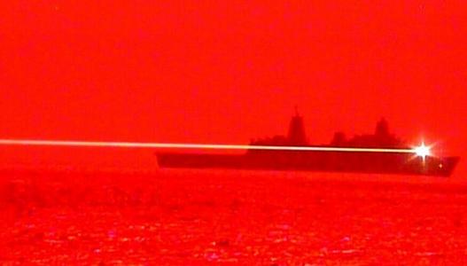 آزمایش سامانه تسلیحات لیزری نیروی دریایی آمریکا با سرنگونی یک پهپاد