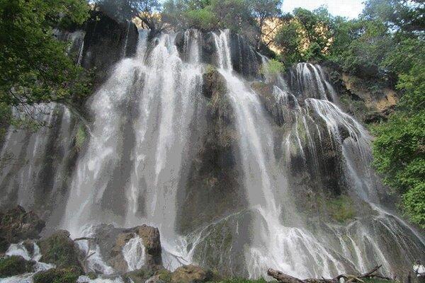آشنایی با جاذبه های گردشگری آبشار زرد لیمه - چهارمحال و بختیاری