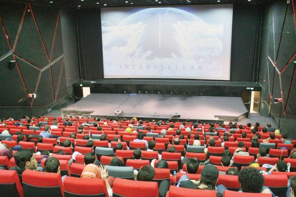 پیشنهاد انتقال سینما ها به مشاغل گروه2، شرایط بازگشایی مهیا می شود؟