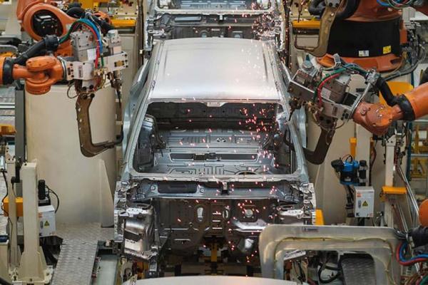 بازگشت خودروسازان اروپایی به ایران و آنالیز احتمالات