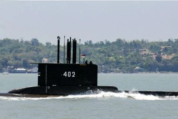 عملیات نیروی دریایی سنگاپور برای یافتن زیر دریایی مفقود شده اندونزی