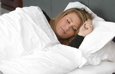 دختر جوانی که 2 ماه مداوم می خوابد